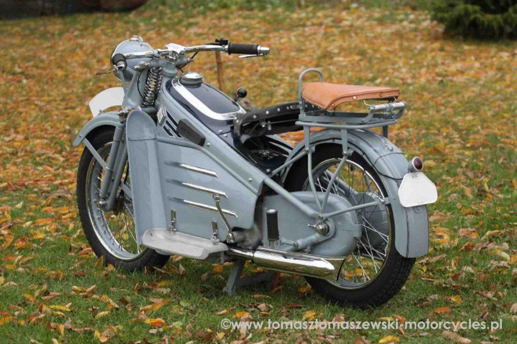 Victoria oznaczała swoje motocykle symbolem KR (czyli Kraftrad - z niemieckiego: motocykl).