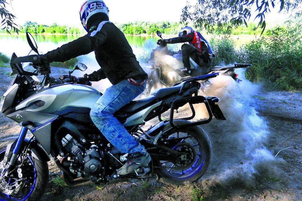 Yamaha vs Honda