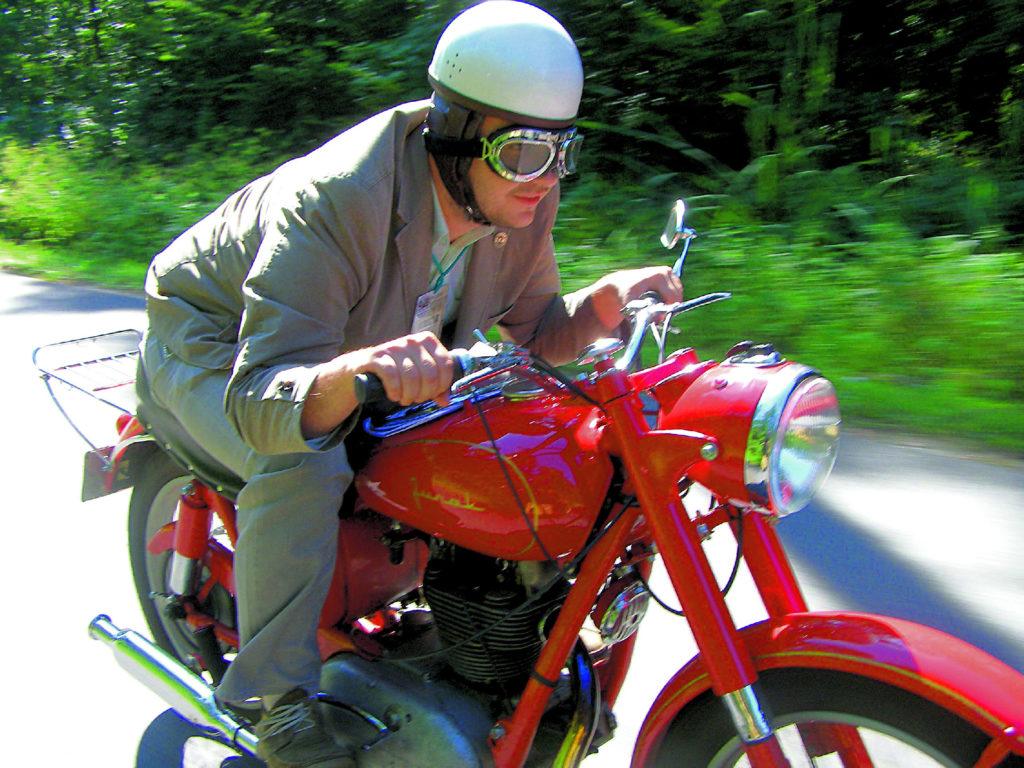 15 kwietnia 1959 r. na Junaku został pobity rekord szybkościowy polskiego motocykla, wynoszący 149,3 km/h (nie został pobity do tej pory).