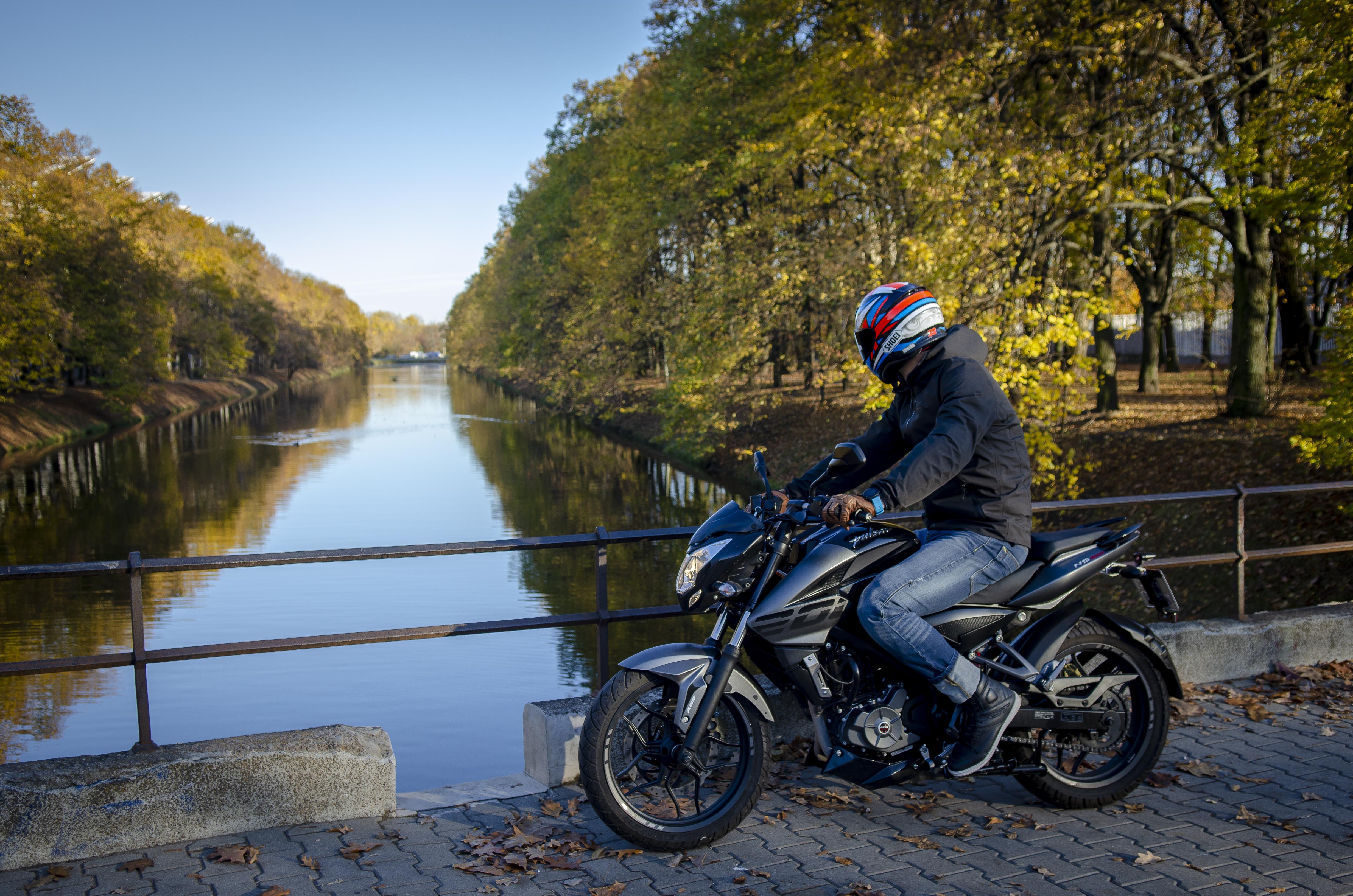 Przetestowane w najtrudniejszych warunkach. Motocykle Bajaj z rodziny Pulsar dostępne w polskiej sieci dealerskiej.