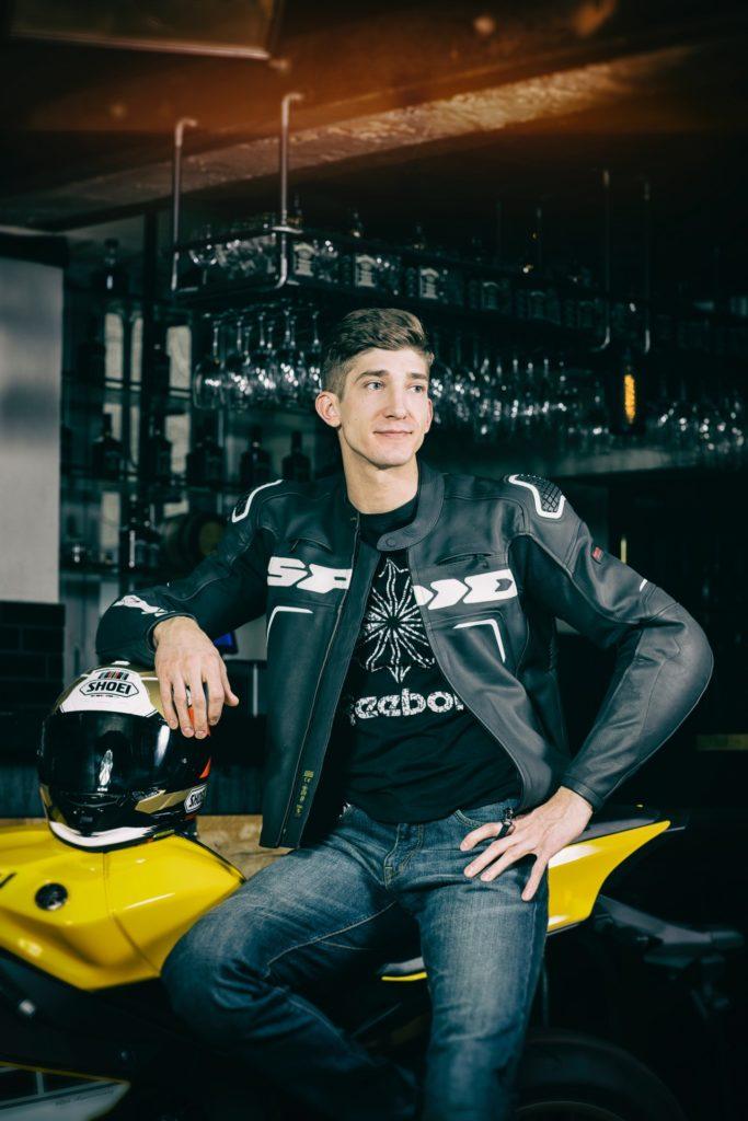 """wywiad z Michałem Baryzą - finalistą """"Top Model"""", właścicielem salony """"Wyspa"""" w Toruniu, fizjoterapeutą i motocyklistą"""