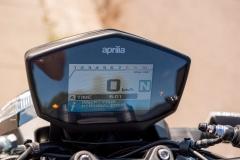 Aprilia-Shiver-900-07-wyswietlacz