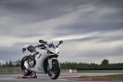 Ducati-SuperSport-950-2021-1