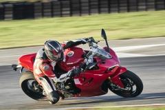 Ducati-SuperSport-950-2021-10