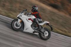 Ducati-SuperSport-950-2021-2