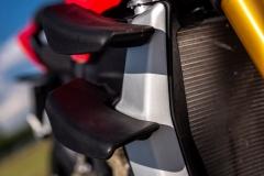 Ducati-Streetfighter-V4S-25-winglety
