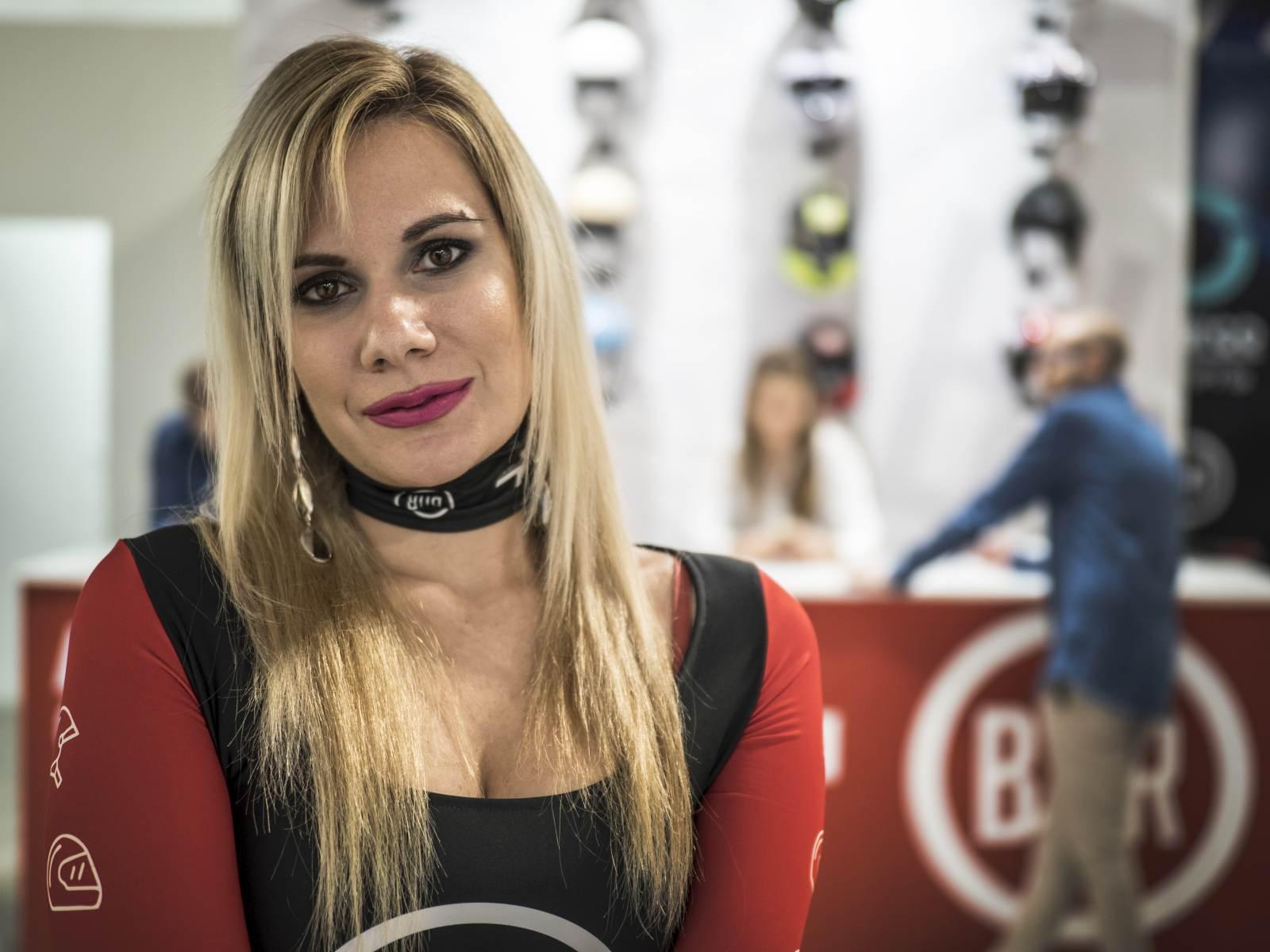 Hostssy podczas targów EICMA 2019 - photo: Tobiasz Kukieła