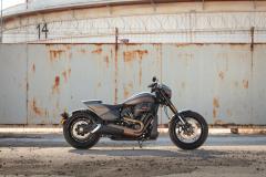 Harley - Davidson FXDR - prawy bok