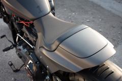 Harley - Davidson FXDR - siedzenie i zadupek