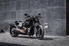 Harley - Davidson FXDR prawy bok