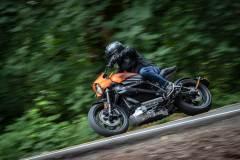Harley-Davidson Livewire. Prawy zakręt