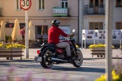 MotoGuzzi-Eldorado-05-ulica-prawy-tyl