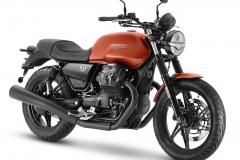 Moto-Guzzi-V7-Stone-2021-1