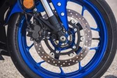 Yamaha R3 hamulec przód