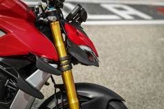 MY20_DUCATI_STREETFIGHTER-V4-S_AMBIENCE_42_UC101663_Mid