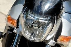 Suzuki GSR 600 lampa przednia