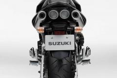 Suzuki GSR 600 - lampy tył oraz wydechy