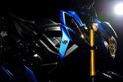 GSX-S750AL7_Action_15