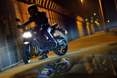 GSX-S750AL7_Action_23