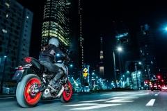 Yamaha_MT07_2021_03_ulica_tyl