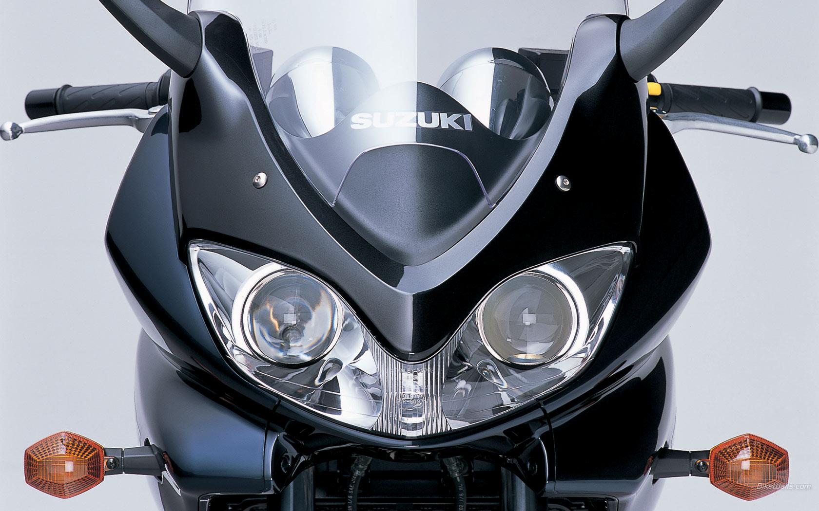 Suzuki Bandit 1200S LAMPA PRZÓD