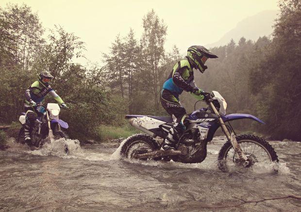 Nowa Yamaha WR250F, motocykl enduro dla wyczynowców i dla amatorów.