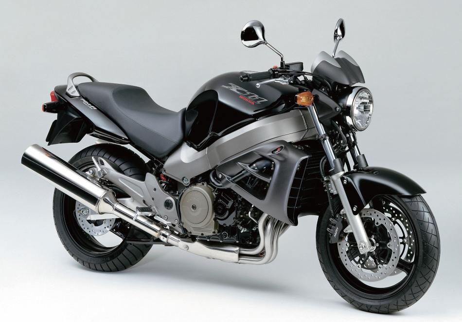 Honda X11 - motocykl używany