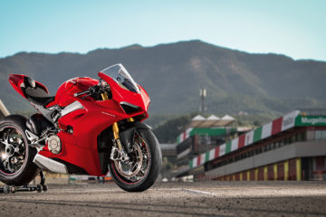 http://swiatmotocykli.usermd.net/wp-content/uploads/2018/11/2018-Ducati-Panigale-V4-S-36.jpg