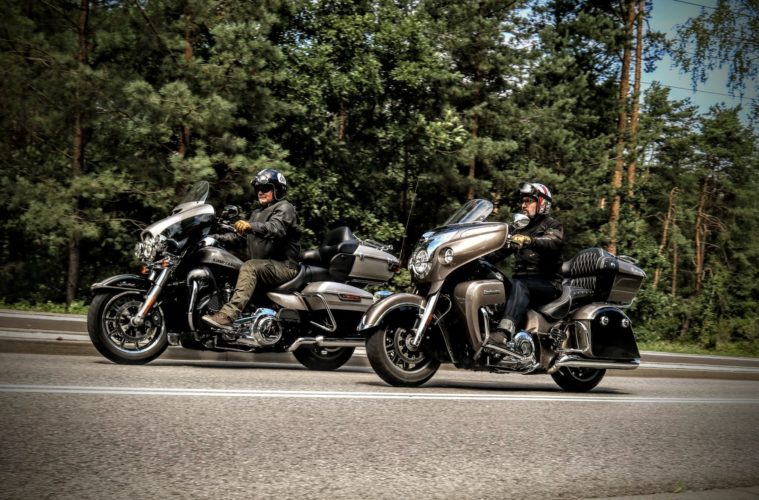 Harley-Davidson Ultra Limited vs Indian Chief Roadmaster