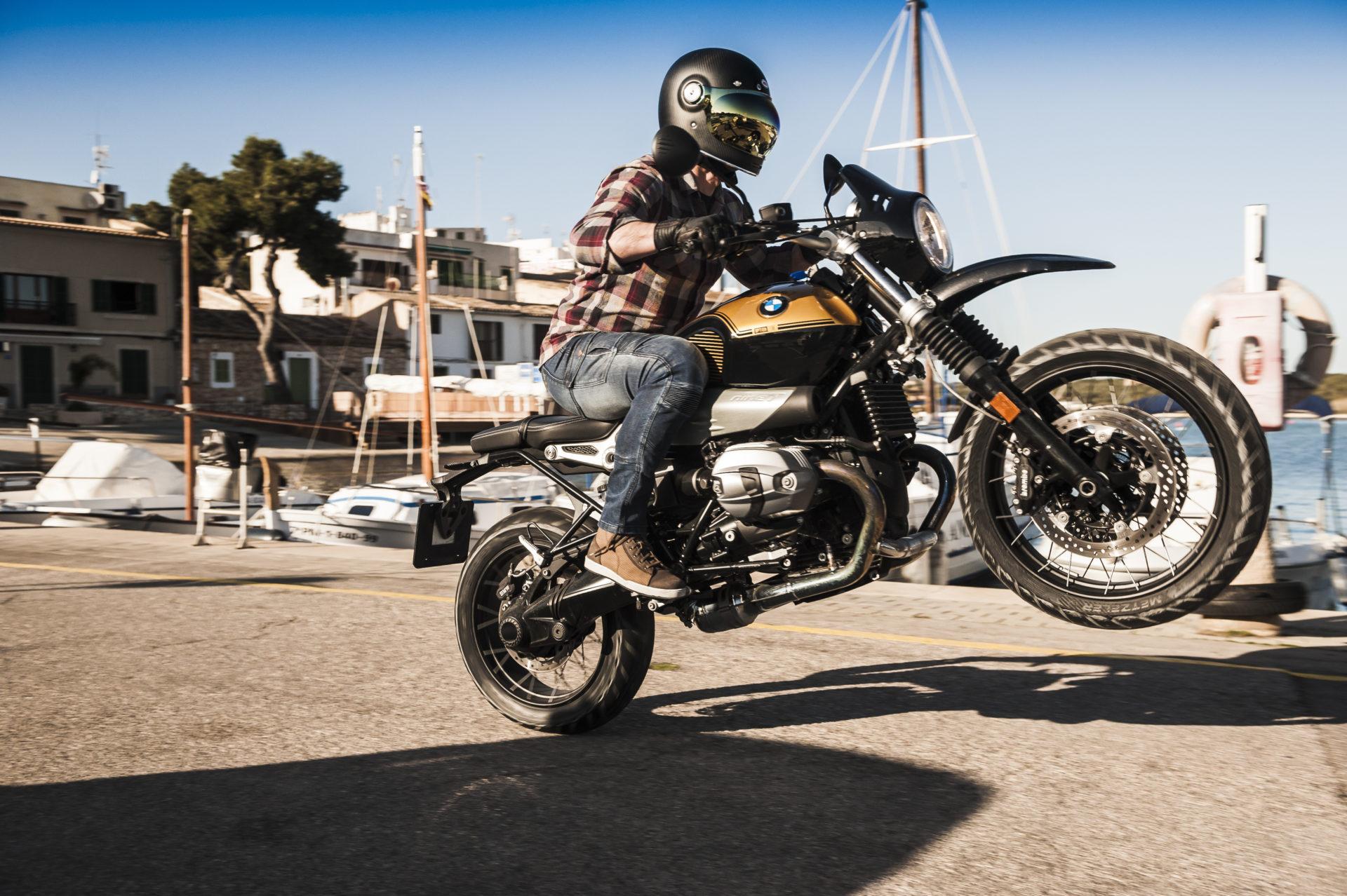 Właśnie odbyła się europejska premiera nowej marki motocyklowej dla... niepokornych. Jeśli więc jesteś motocyklistą z charakterem, korzystającym z życia w 200%, a styl jest nieodłączną częścią Twoich przygód, to BROGER może być dla Ciebie.