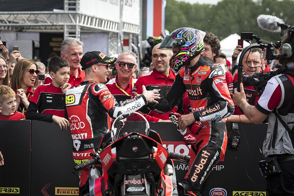Zawodnicy Ducati na podium WorldSBK Imola
