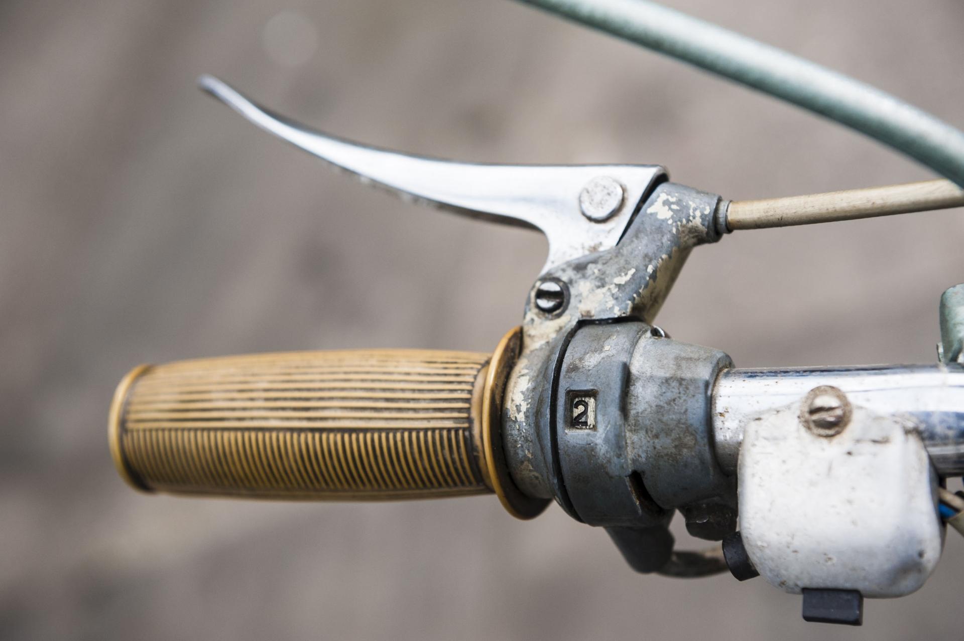 Komar 232 - dźwignia zmiany biegów