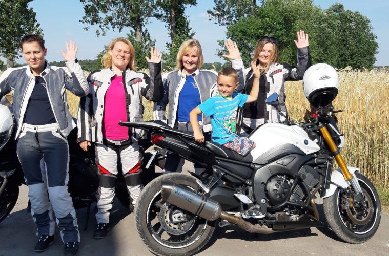 """""""MY JEDZIEMY ŻEBYŚ TY MÓGŁ CHODZIĆ"""" - łódzkie motocyklistki kolejny raz pomagają dzieciom."""