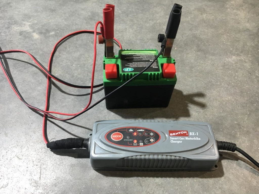 Jak Ładować Akumulator?