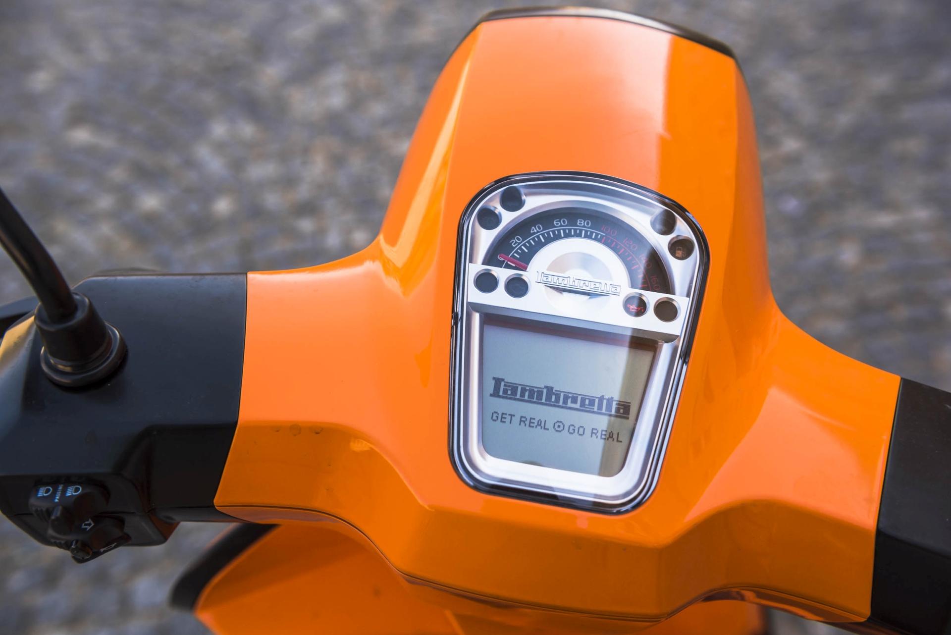 Lambretta V125 Special - zegar skutera