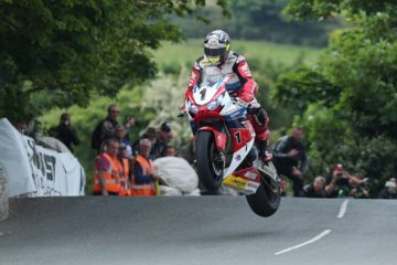 DAVE KNEEN/PACEMAKER PRESS, BELFAST: 04/06/2016: John McGuinness (Honda - Honda Racing) at Ballaugh Bridge during the RST Superbike TT race.