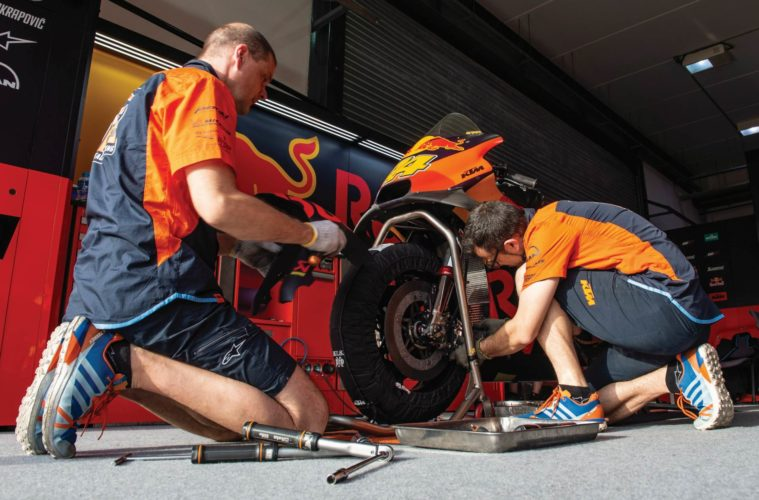 Red Bull KTM mechanics, Qatar MotoGP test Feb 2019
