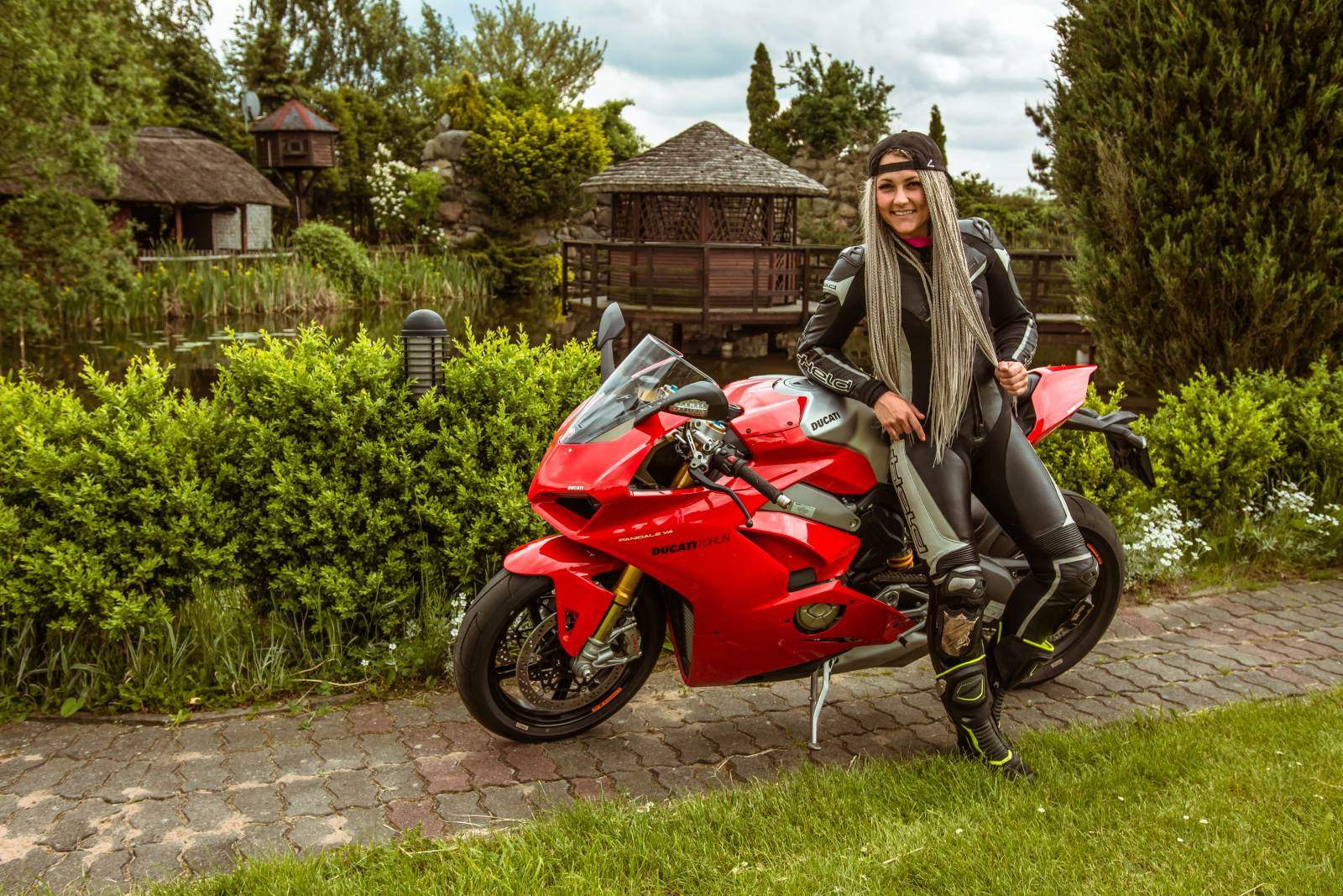DUCATI i Speed Ladies