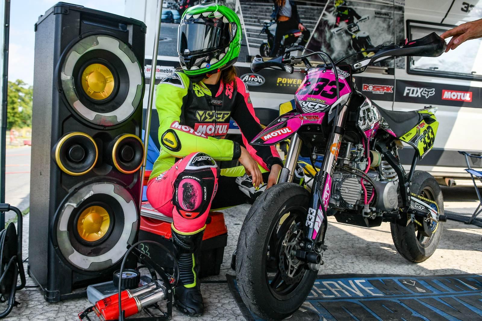 YCF, Trening czyni mistrza, czyli Speed Ladies