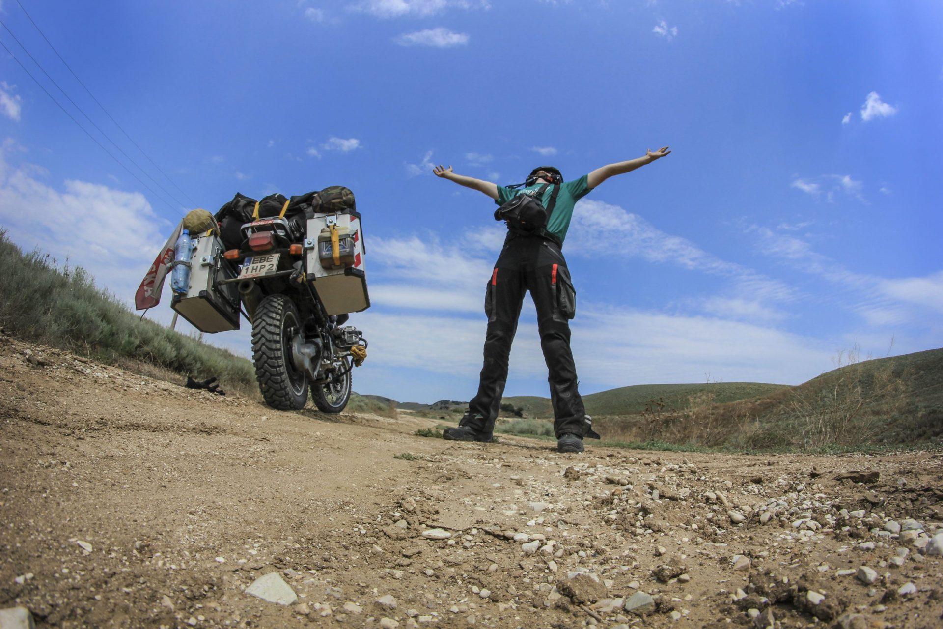 Samotne podróże motocyklowe. Tobiasz Kukieła
