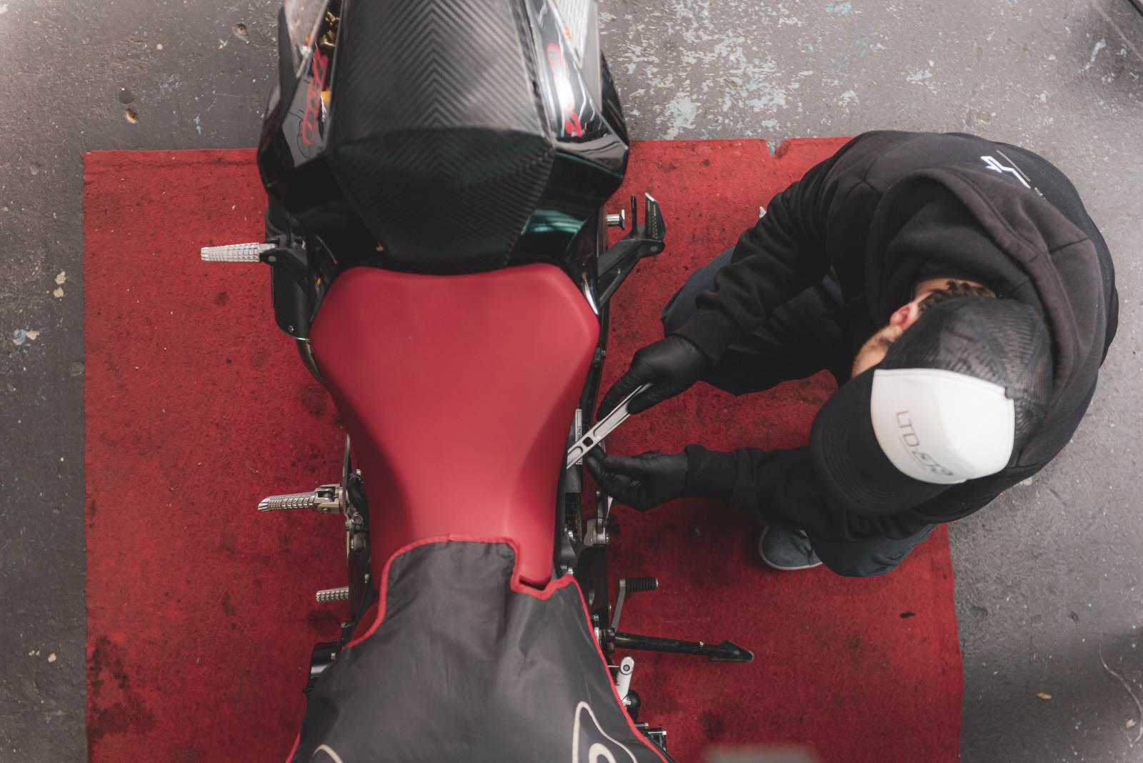 Łukasz Wieczorek. Świat Motocyklistów