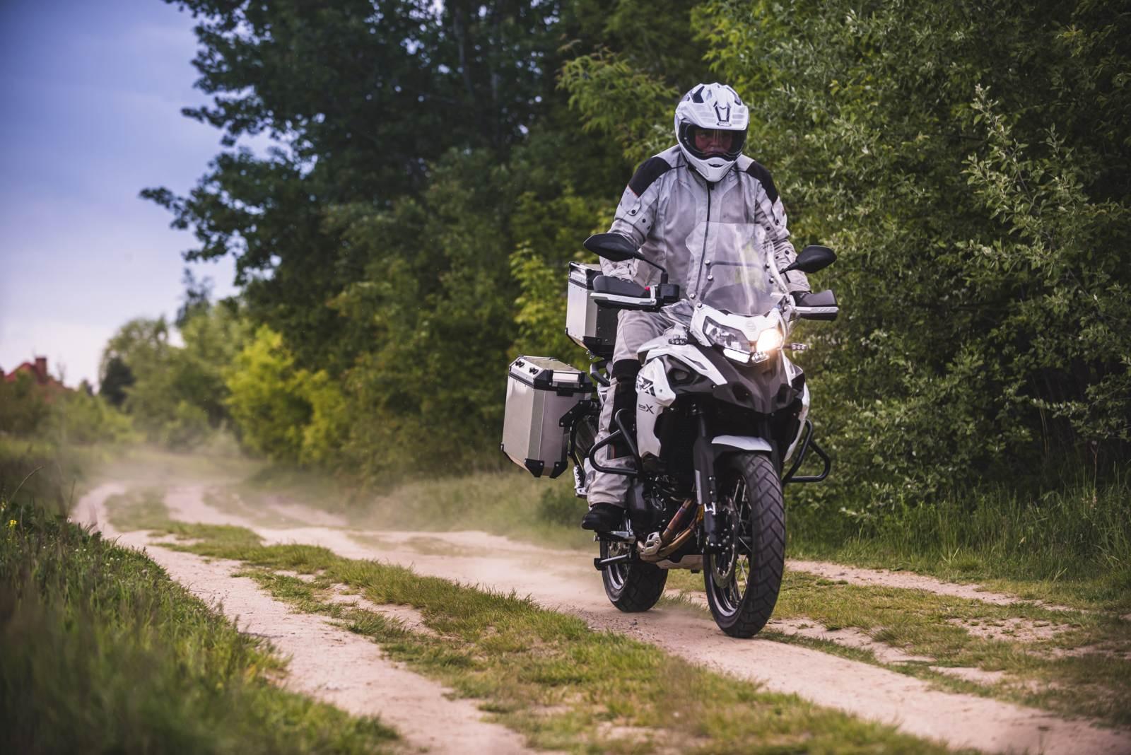 Benelli TRK 205X 2020. Motocykl na A2 do turystyki