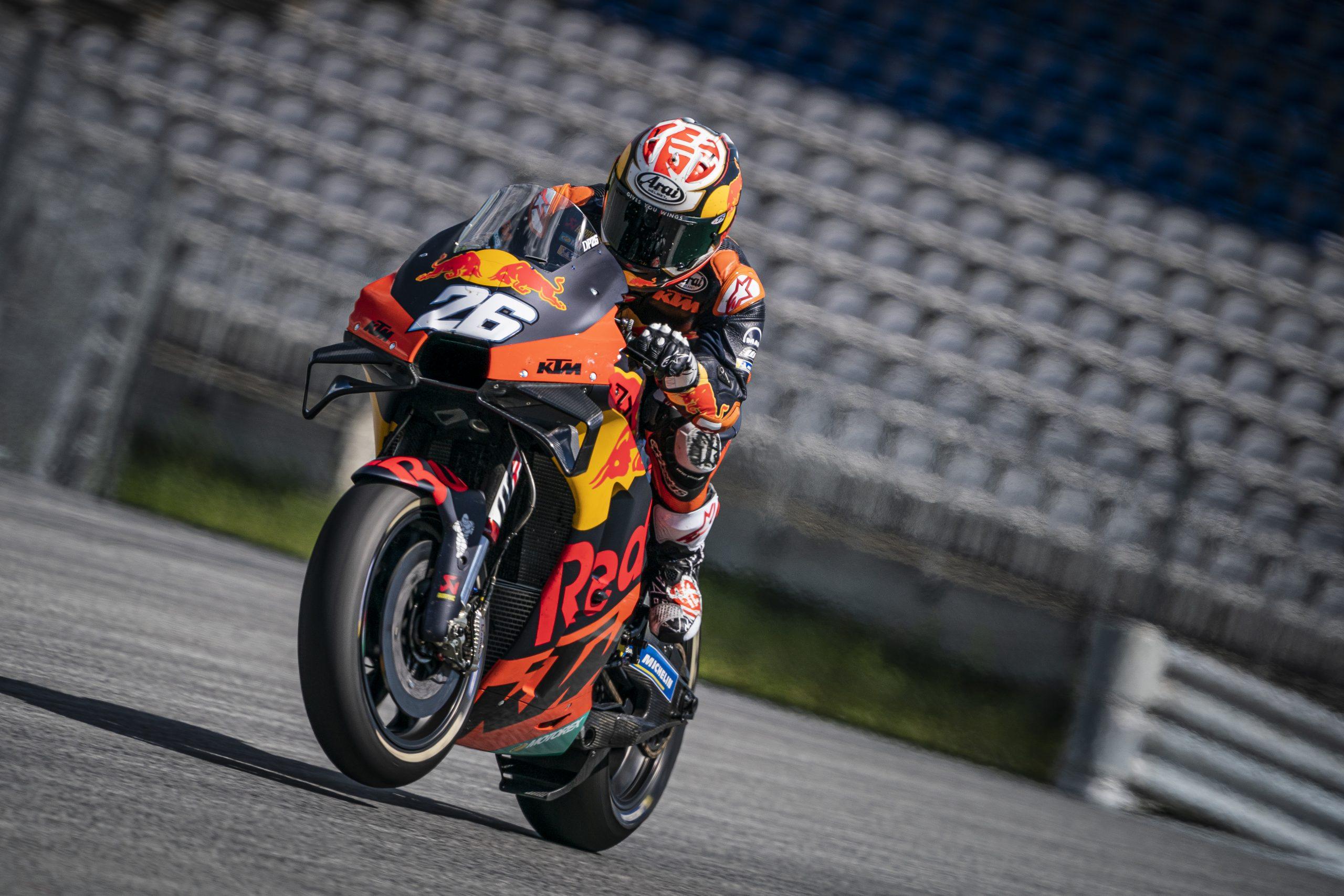 Dani Pedrosa testujący motocykl KTM RC16 na torze Red Bull Ring w 2020 roku