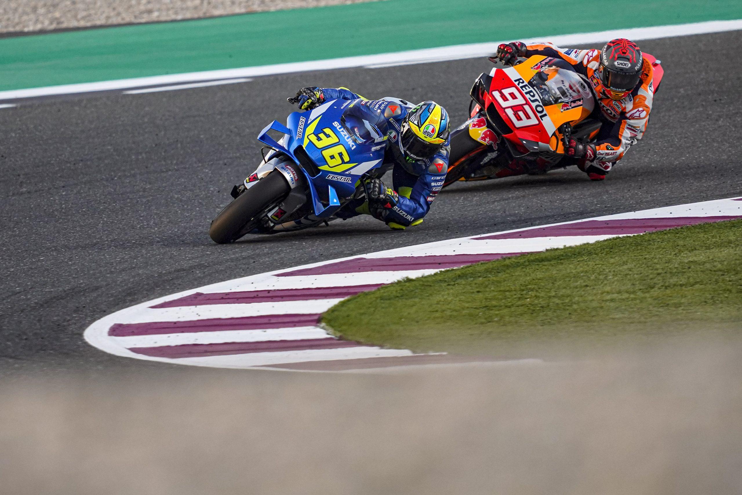 Joan Mir i Marc Marquez w akcji podczas testów MotoGP na torze Losail