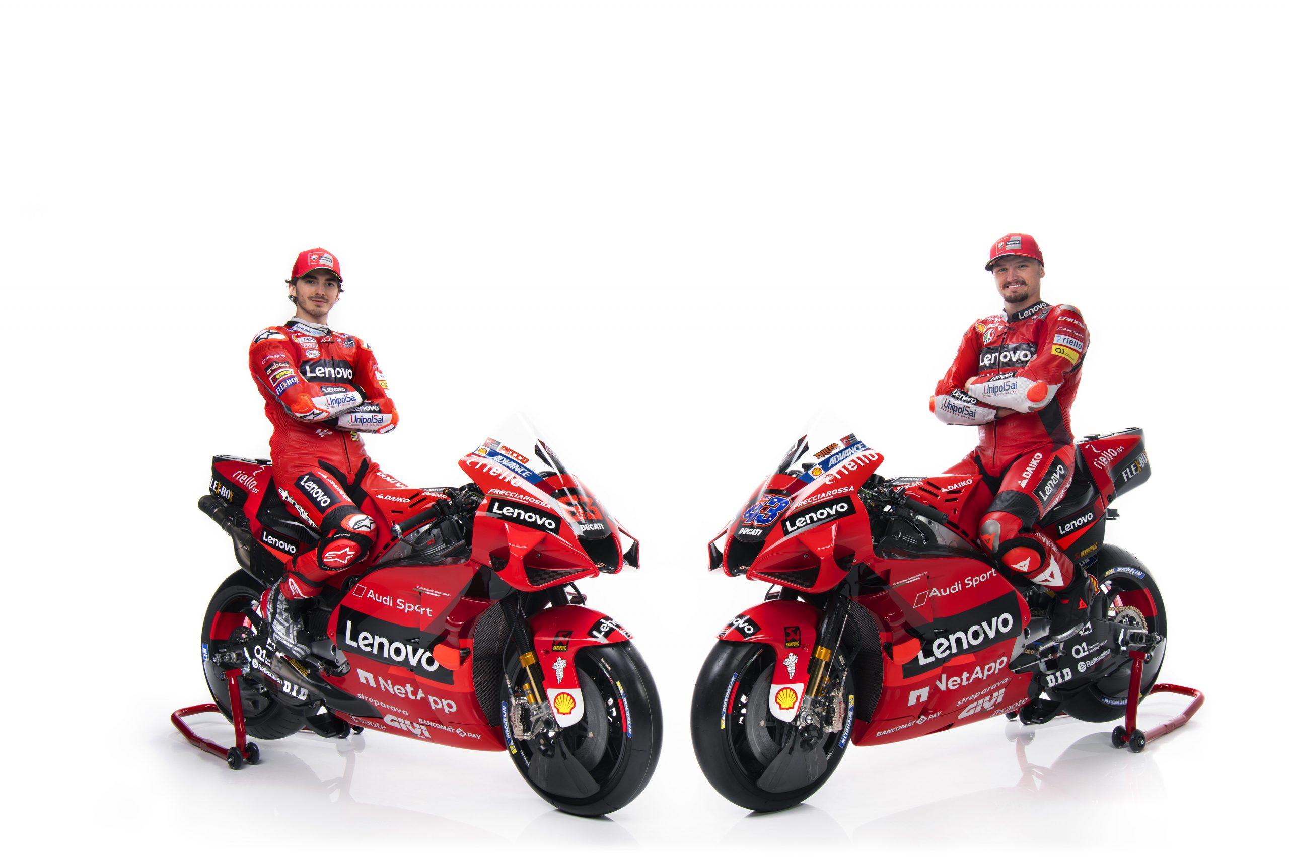 Pecco Bagnaia i Jack Miller podczas prezentacji Ducati Lenovo Team na sezon 2021 MotoGP