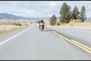 Ostatni motocykl na Ziemi (Last motorbike on Earth) – kadr z filmu