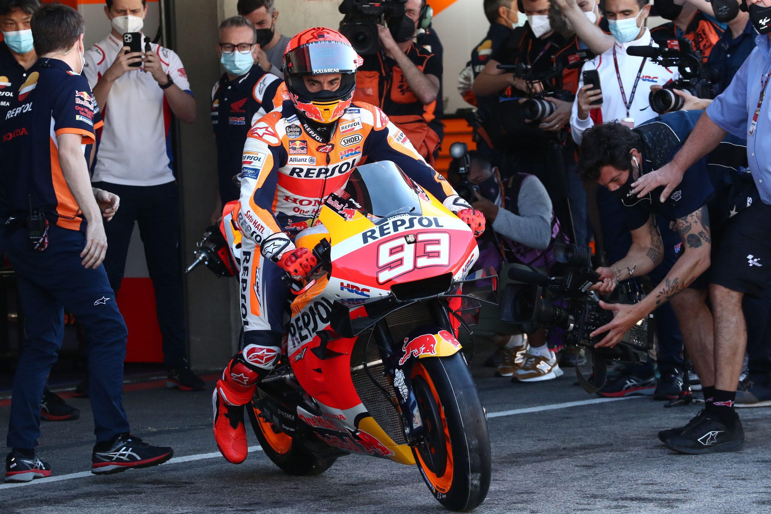 Marc Marquez wyjeżdżający na tor po raz pierwszy od 9 miesięcy na motocyklu MotoGP – GP Portugalii