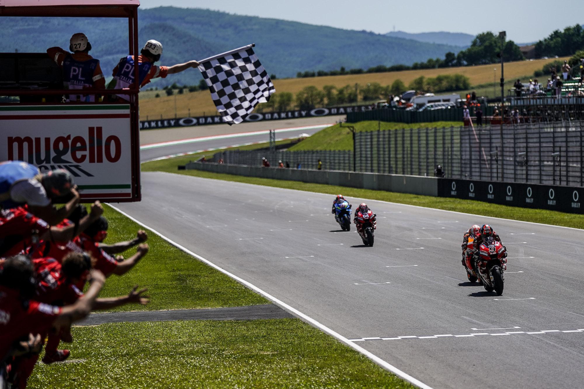 Finisz wyścigu MotoGP na Mugello w 2019 roku