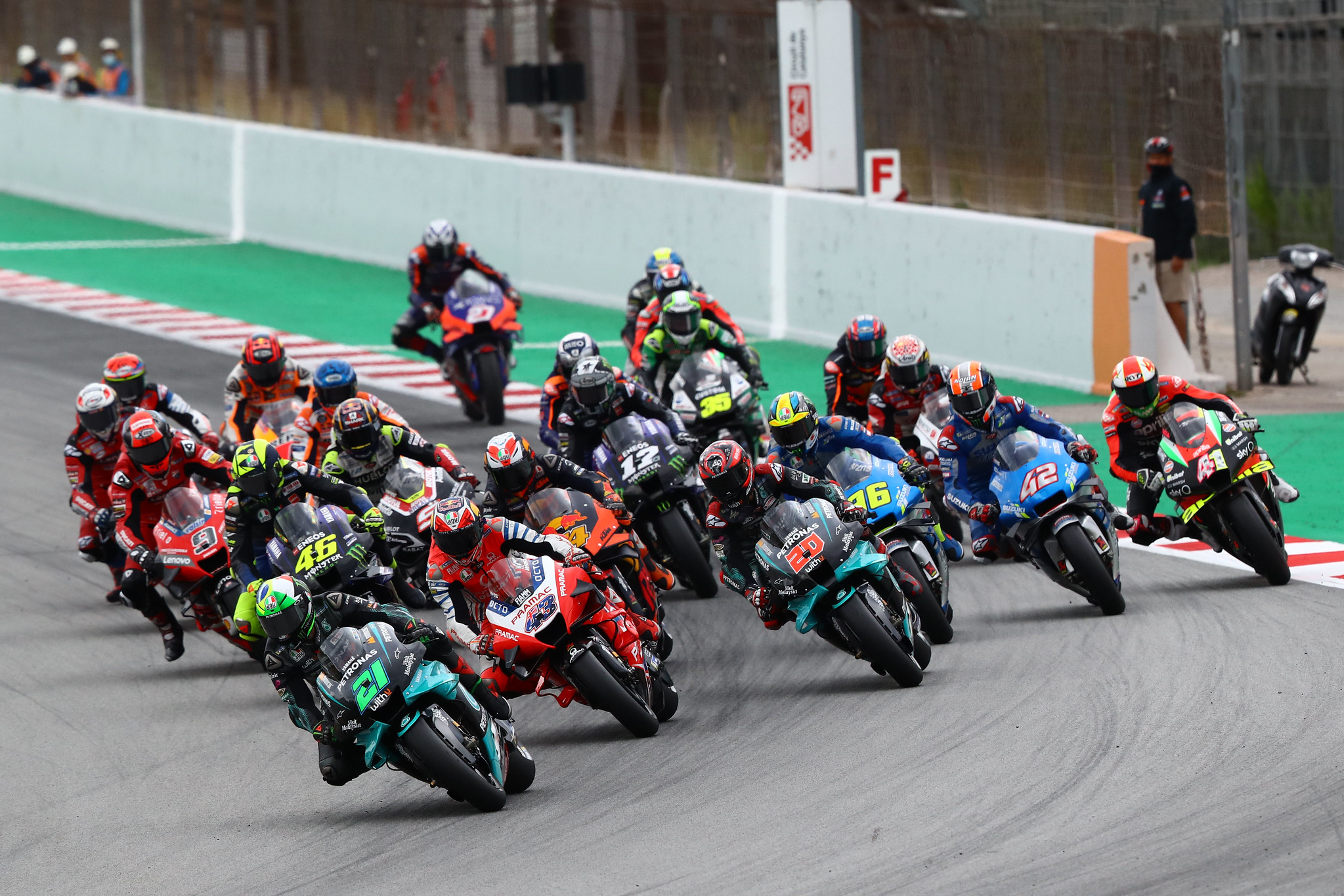 Start wyścigu MotoGP o GP Katalonii 2020