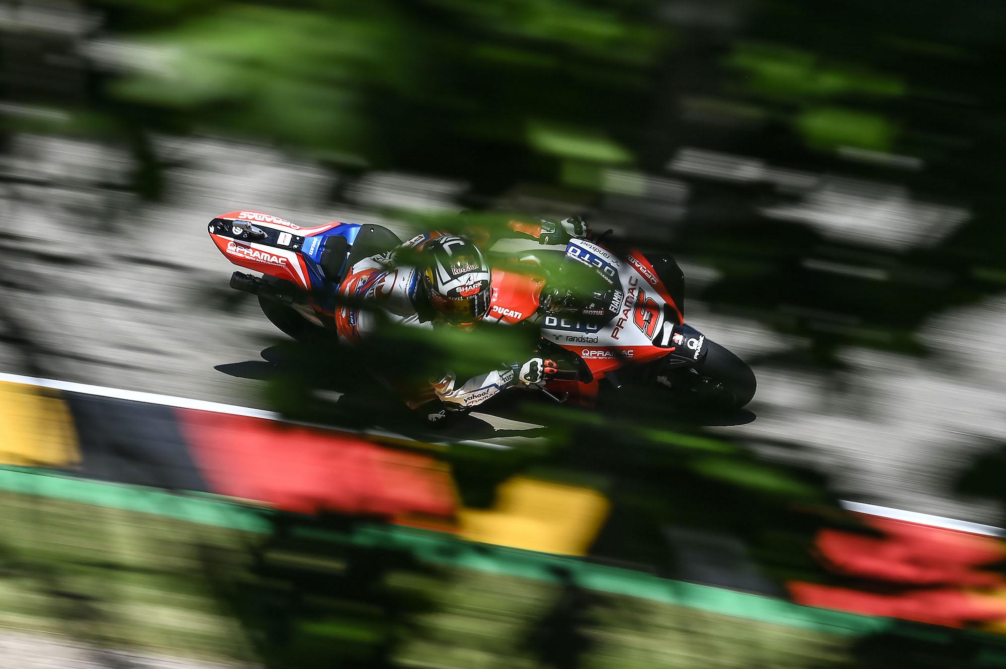 Johann Zarco w akcji podczas GP Niemiec na torze Sachsenring